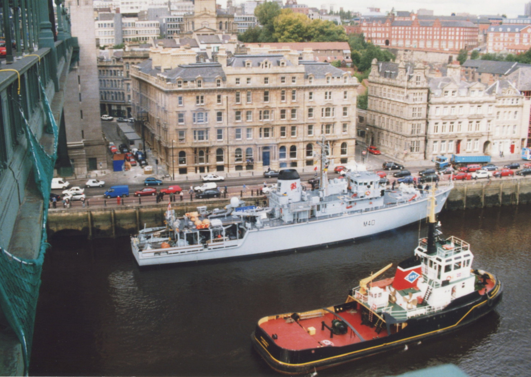 HMS Berkeley and Rowangarth Sept 1999.jpg